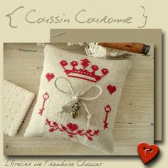 Coussin couronne