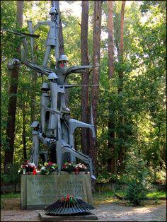 Ekspresyjny pomnik poległych - Granica