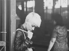 her, waiting for (by Marta Bevacqua) Short Blonde Pixie, Long Pixie, Girl Short Hair, Short Hair Cuts For Women, Short Hair Styles, Marta Bevacqua, Long Hair Tips, Bleach Blonde, Fancy Hairstyles