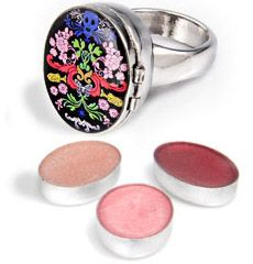 The Poison Ring MMVI: a lip-gloss ring just asking to be hacked for poison.