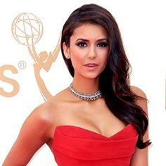 Nina Dobrev my idol Red Dress Makeup, Hair Makeup, Dress Red, Nina Dobrev Hair, Braided Hairstyles, Cool Hairstyles, The Emmys, Classy And Fabulous, Celebs