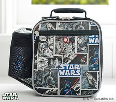 Stylishly designed and insulted to keep food fresh, our reusable Star Wars™ lunch bag lets your child enjoy a healthful homemade meal when on the go.