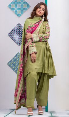 Exclusive range of printed and embroidered unstitched & ready to wear clothes. Shop from 3 Piece, 2 Piece & kurti collection and pair with fashion accessories. Pakistani Party Wear Dresses, Simple Pakistani Dresses, Pakistani Fashion Casual, Pakistani Dress Design, Pakistani Outfits, Pakistani Frocks, Stylish Dresses For Girls, Stylish Dress Designs, Stylish Dress Book