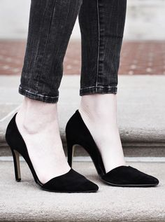 Looking for a versatile heel to pair with all of your fall and winter outfits? These black suede D'Orsay pumps make it easy to dress up your favorite street style look. Photo by Amber Venz Box | Banana Republic