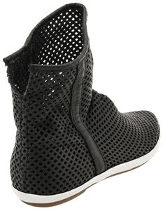 Buy Sanuk Kat's Nest Boot on sale at PlanetShoes.com. Order Sanuk shoes with free shipping & returns! Click or call 1-888-818-7463. (Black)