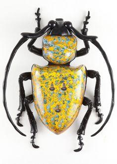 Tragocephala subbuteina nobilis ceramica,alluminio,resina e materiali vari…