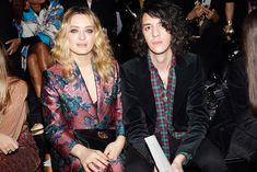 At the Gucci Fall Winter 2019 fashion show by Alessandro Michele, Carolina Crescentini and Francesco Motta. Gucci Fashion, Fashion Show, Floral Blazer, Alessandro Michele, Alternative, Fall Winter, Teal, Mom, Clothing