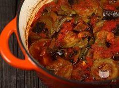 Tocanita din piept de pui cu legume Romania Food, Jacque Pepin, Good Food, Yummy Food, Ratatouille, Food To Make, Chicken Recipes, Ale, Pork
