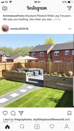 I like the separation, I'd put the kiddo zone back there, though. - I like the separation, I'd put the kiddo zone back there, though. Imágenes efectivas que le propo - Back Garden Landscaping, Backyard Patio Designs, Backyard Ideas, Back Garden Design, Modern Garden Design, Garden Ideas For Small Spaces, Small Garden Decking Ideas, Small Patio, Tiered Garden