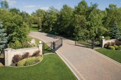 Holland paver driveway in Antique Brown