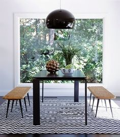 Madeline Weinrib Zig Zag Cotton Carpet in a dining room by Eric Hughes via Elle Decor Dining Nook, Dining Table, Dining Decor, Lamp Table, Room Inspiration, Interior Inspiration, Interior Architecture, Interior And Exterior, Kitchen Interior