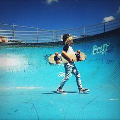 Desde pequeno com um skate na mão.