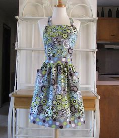 Full Apron / Yellow and Gray Mod by sistersacttwo on Etsy, $27.50