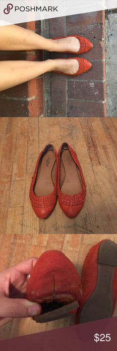 LUCKY BRAND Woven Flats Super adorable and very comfortable! Some wear and my brothers dog got ahold of the bottom (see photos) adorable for summer! Pair with pants or a cute dress. NO TRADE! Bundle for discount. Lucky Brand Shoes Flats & Loafers
