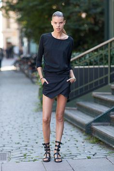 Street Style, a bit sexy but I think with a pop of yellow or greenish yellow I could do a look like this. yesssss