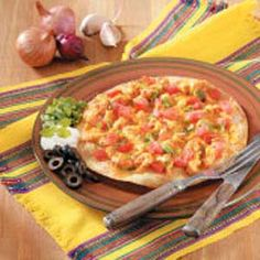 These spicy pizzas were winners when I entered them in the International Crawfish Festival in Jackson, Mississippi. Home Recipes, Pizza Recipes, Cooking Recipes, Seafood Dishes, Fish And Seafood, Spicy Pizza, Cajun Cooking, Pie Hole, Creole Recipes