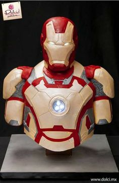 Iron Man cake...Im in LOVE with this for my son