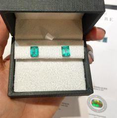 encomenda linda saindo para uma cliente super especial! #emerald #emeraldlovers #earring #stud #love #jewelryaddict #genstone