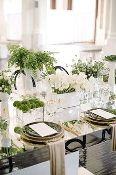 Every brings fresh beginnings. How fitting to commemorate 2017 by diving into Greenery wedding ideas inspired by Pantone Color of the Year. ideas table Greenery Wedding Ideas Inspired by Pantone Color of the Year Wedding Table Decorations, Decoration Table, Wedding Themes, Wedding Centerpieces, Wedding Ideas, Trendy Wedding, Quinceanera Centerpieces, Perfect Wedding, Table Centerpieces