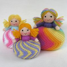 Cute little dollies....would make cute pin cushoins!   Ravelry