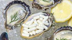 Ostereita ja sinkkikapseleita Mineral, Camembert Cheese, Dairy, Food, Wound Healing, Baking Soda, Dietitian, Topcoat, Essen