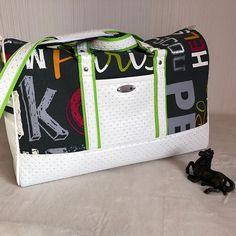 latelier_a_reves Un tout nouveau sac WE Boston tout printanier. Celui-ci est pour une commande 😃 #latelierareves #sacotin #ideecadeau #cadeaufemme #sacete #voyageurdumonde #sacdesport