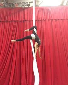 Aerial Physique Teacher Training is on! October & December in Los Angeles. Grab a spot while you can! Aerial Hammock, Aerial Hoop, Aerial Arts, Aerial Acrobatics, Aerial Dance, Arial Silks, Aerial Gymnastics, Bullet Drop, Silk Dancing