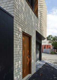 Little Brick Studio / MAKE Architecture [brick pattern]