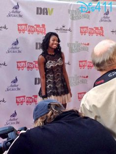 Videos: Coco Jones Interviewed At The 2013 Hollywood Christmas Parade