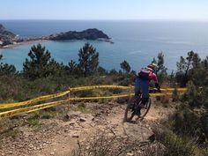 What a wonderful place! Sun sea and bike!  #GoJuliana #RoubionisForever #womenscycling #ontherivet #strongher #smithwomen #bikesgirls #vittoriatires #twcweride #igerscycling #bicilive #likeagirl #cycling #cyclingphotos #cyclingfashion #instamood #instacycling #velo #instadaily #me #coolerwomen #radgirlslife #girlpower #lifebeyondwalls #cyclinglife #WomanMtbLifestyle