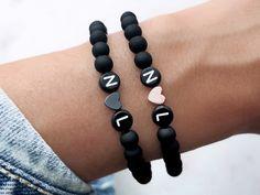 Homemade Bracelets, Diy Bracelets Easy, Bracelet Crafts, Beaded Bracelets, Pearl Necklaces, Couple Jewelry, Couple Bracelets, Diy Necklace, Diy Earrings