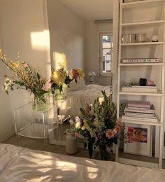 Room Ideas Bedroom, Bedroom Decor, Bedroom Inspo, Parisian Bedroom, Parisian Decor, Study Room Decor, Bedroom Vintage, Entryway Decor, Pastel Room
