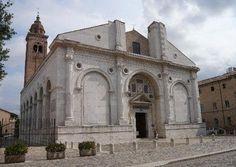 ALBERTI El Templo Malatestiano, catedral de Rimini. S XV. Para Segismundo Malatesta, cóndottiero