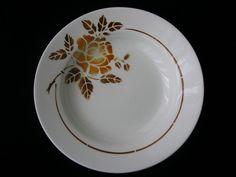 4 jolies assiettes creuses Faïencerie de St Amand Modèle 4004