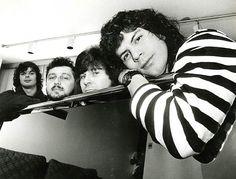 Da esquerda para a direita, Fernando, Luís, Paulo Pagiani e Paulo Ricardo, integrantes da banda de rock RPM