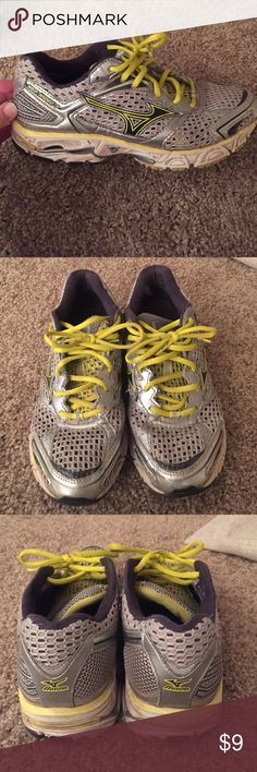 Mizuno size 8 women's tennis shoes Mizuno tennis shoes, worn but with a good wash you can still get plenty of miles out of them! Soles are still in good condition. Mizuno Shoes Sneakers