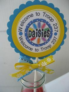 To DIY! Girl Scouts - DAISIES girl scout - Daisy -party display -Centerpiece