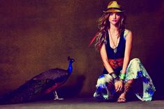 Sasha Pivovarova Free People - There is no denying the tribal flare seen in the Sasha Pivovarova Free People April 2011 catalogue. The images photographed by Guy Aroch are simply. Sasha Pivovarova, Tribal Mode, Moda Tribal, Tribal Fashion, Boho Fashion, Fashion Looks, Fashion Pics, Fashion Styles, Fashion Design