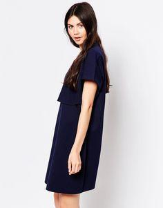 Kleid von By Zoe mittelschwerer Sweatshirtstoff U-Ausschnitt doppelte Lage vorne unbearbeitete Kanten Loose Fit - fällt locker über den Körper Maschinenwäsche 55% Polyester, 40% Baumwolle, 5% Polyamid Model trägt UK-Größe 8/EU-Größe 36/US-Größe 4 und ist 180 cm/5 Fuß 11 Zoll groß