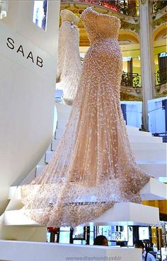 Elie Saab - love this image.