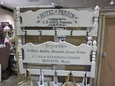 Another cool use for headboards, turn them into coat racks! Painting Old Furniture, Refurbished Furniture, Handmade Furniture, Repurposed Furniture, Furniture Makeover, Painted Furniture, Chalk Painting, Steel Furniture, Furniture Design