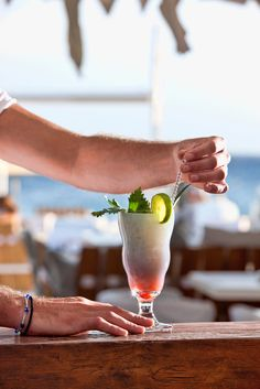 GREECE CHANNEL | Cocktails in Mykonos
