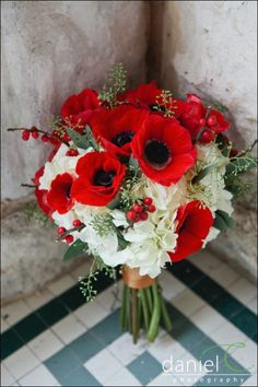 bouquet de mariage rouge et blanc / bouquet de mariée | White Hydrangea, Red Anemones, Red Berries, Green Seeded Eucalyptus Hand Tied With Gold Satin Ribbon