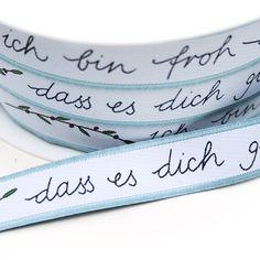 """Band """"Ich bin froh"""" #acufactum #satinwebbaender #satin #webband #botschaft #biblisch #glueck #vielfaeltig #naehen #basteln"""