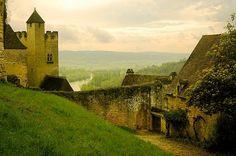 French Cottage for rent via stephmodo: La Maisonnette du Coteau