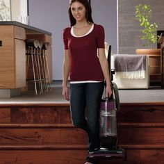 BISSELL 9595A CleanView Bagless Vacuum with OnePass Easy to push and carry without sacrificing power