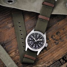 Summer is the perfect opportunity for exploring and adventures. Outdoor watches are essential equipment whether you are climbing mountains, swimming in the ocean, hiking or flying! Our rugged Khaki Field military watches are ready for anything and guaranteed to keep you on time for the train, boat or plane. Hamilton Khaki Field, Belt Holder, Types Of Knives, Nato Strap, Summer Gifts, Surf Shop, Mens Gift Sets, Gifts For Family, Stainless Steel Case