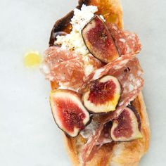 Salami and freshly sliced Mission figs pair together in these delicious and easy crostini. Italian Appetizers, Appetizer Recipes, Appetizer Ideas, Yummy Appetizers, Fig Recipes, Cooking Recipes, Summer Recipes, Best Italian Dishes, Tapas