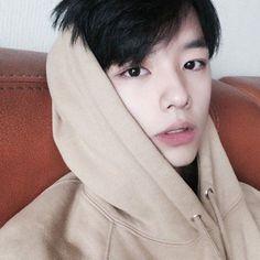 Ulzzang boy, Asian boy, fashion boy.  IG: leejunghoon_