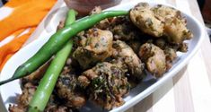 how to make palak bhajia, Palak pakoda recipe and important suggestions for this recipe. Palak bhajia (Spinach pakoda) is very popular street food. Growing Poppies, Growing Hibiscus, Hibiscus Plant, Growing Bell Peppers, Growing Onions, Growing Ginger, Perennial Vegetables, Container Gardening Vegetables, Flowers Perennials